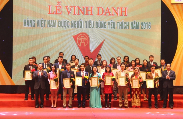 Ha Linh Rattan & Bamboo was awarded to be one of the Top 30 Favorite Vietnamese Brands of 2016